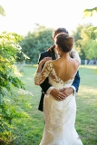 photo-couple-mariage-wedding-robe-dentelle-sunset-gold-hour-chateau-grignols-domaine-dame-blanche-gironde-by-modaliza-photographe-2
